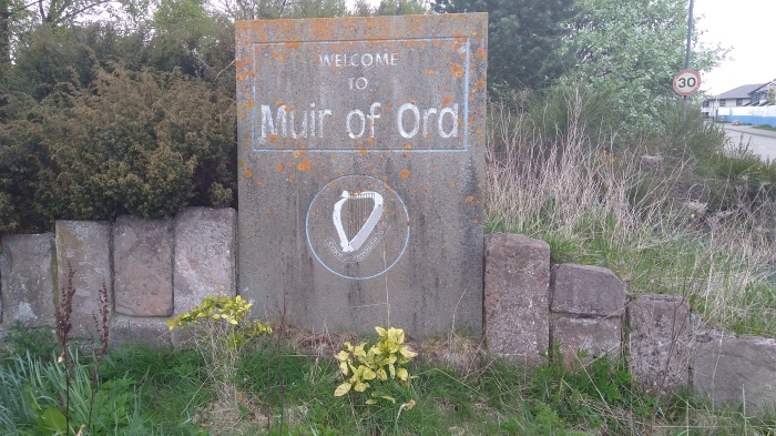 Welcome to Muir of Ord stone (before)